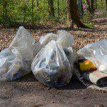 Weitere Abfallsäcke werden am Treffpunkt Bellenweg gesammelt...