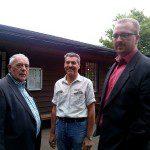 Der Vorsitzende des BV Holterhöfe, Dieter Hentschel im Gespräch mit Dr. Hans Josef Ruhland und Carsten von der Venn von der CDU-Fraktion in der Bezirksvertretung West