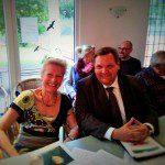 Bürgermeister Frank Meyer (SPD) mit der stellvertretenden Bezirksvorsteherin Annelie Wulff (Grüne)